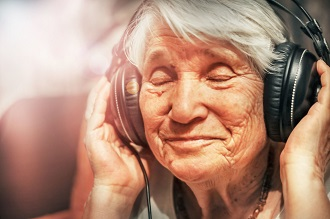 Research shows music aids memory performance in older adults and patients with Alzheimer's Disease